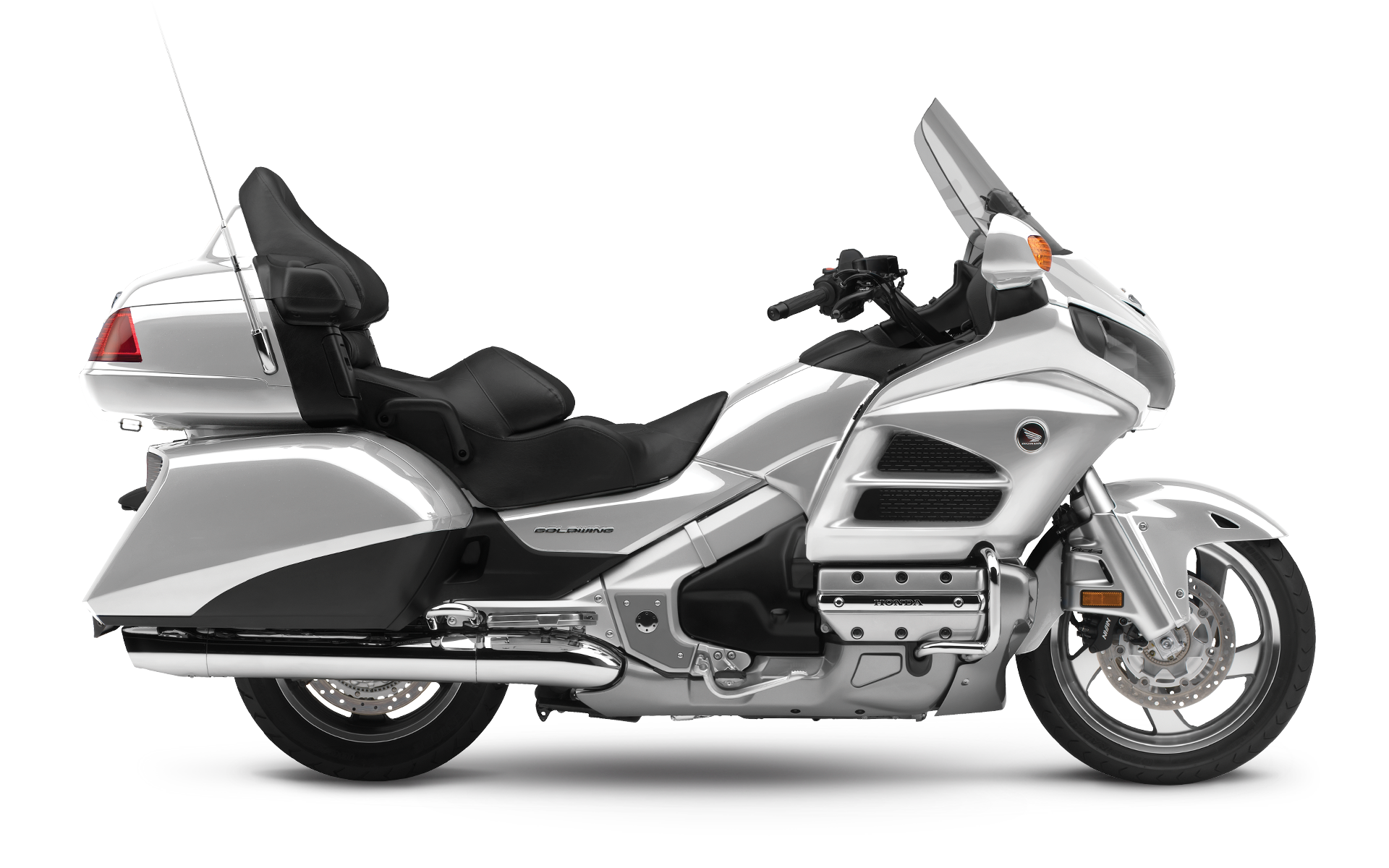 gold wing  years  touring excellence